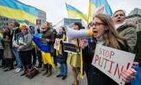 Obama Expands Limited Sanctions on Russia Following Crimea Vote