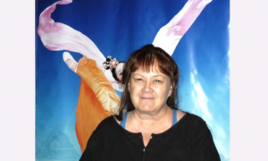 Hollywood Freelance Script Reader Finds Shen Yun 'Very Moving'