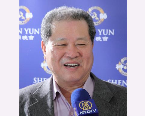 Wang Chiu-kuei, the chairman of Taiwan High Speed Rail Corporation, enjoyed Shen Yun Performing Arts at the Jhungshan Auditorium, in Taichung, on March 16. (Liang Shujing/Epoch Times)
