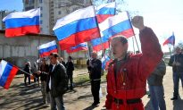 Order Hangs by a Thread as Supporters of Ukraine and Russia March in Donetsk
