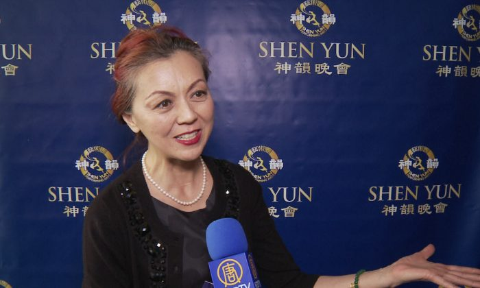 'Bravo!' Says Professional Pianist to Shen Yun Artists