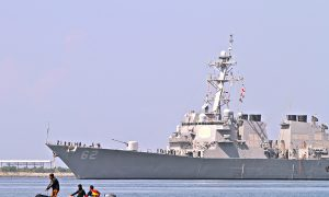 In Signal to China, Obama to Give 2 Ships to Philippines
