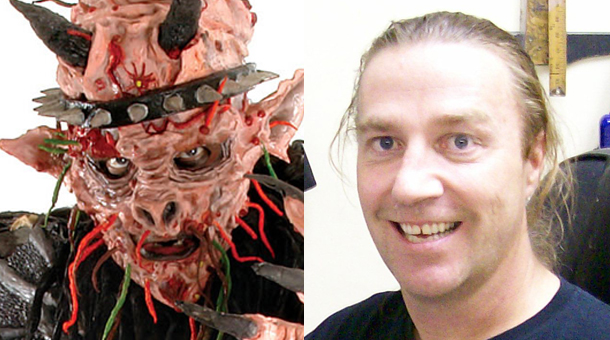 David Brockie (right) and his onstage persona 'Oderus Urungus' (left). Photo Credit: Metalsucks.net