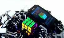 Watch a Lego-Samsung Robot Solve a Rubik's Cube in 6 Seconds