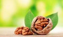 Munch on Walnuts for Healthy Arteries (Video)