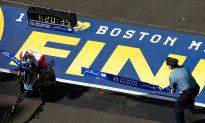 Ernst Van Dyk Wins Tenth Wheelchair Boston Marathon