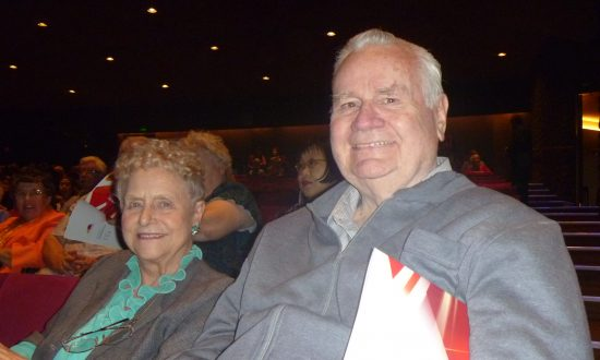 Former Fashionista Finds Shen Yun 'Absolutely beautiful'