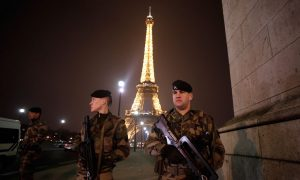 Police at Pullman Hotel, Eiffel Tower Area Evacuated Day After Paris Terror Attacks: Reports