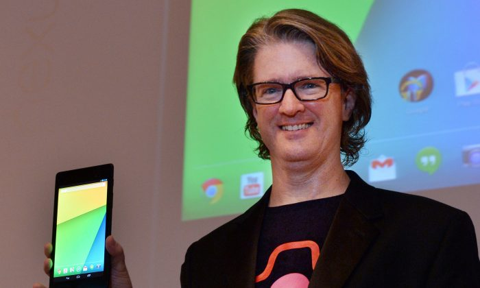 Google's engineering director Chris Yerga with the Nexus 7. (AFP/Getty Images)