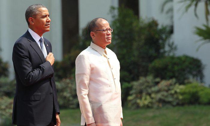 President Barack Obama and President Begnino Aquino (Malacanang Photo Bureau via Getty Images)