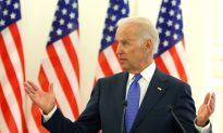 Biden Makes Specific Aid Offers to Ukraine (Video)