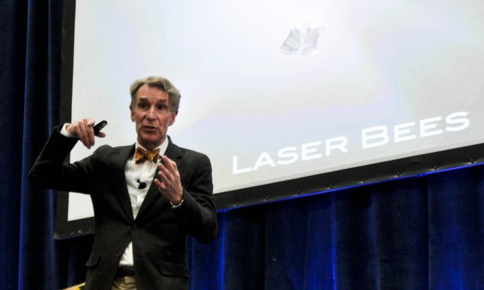 Bill Nye talks about laser bees at the annual USA Science & Engineering Festival in Washington, D.C., on April 27, 2014. (Tara MacIsaac/Epoch Times)