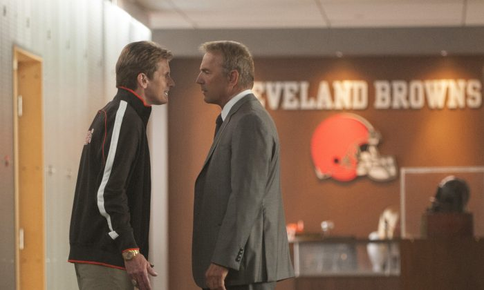 """Coach Penn (Denis Leary) and Sonny Weaver Jr. (Kevin Costner) in """"Draft Day."""" (Dale Robinette/ Summit Entertainment)"""