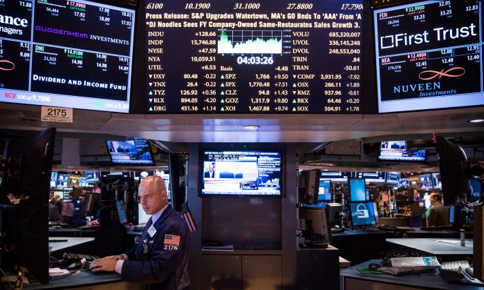 A trader works at the New York Stock Exchange in New York, N.Y., on Nov. 6, 2013. (Andrew Burton/Getty Images)