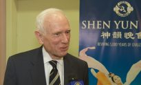 Shen Yun 'Outstanding,' Says Author
