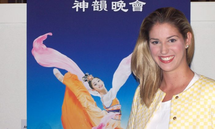 Nicole Rowles enjoys Shen Yun Performing Arts at the Arts Centre Gold Coast, on April 25. (Laurel Andress/Epoch Times)