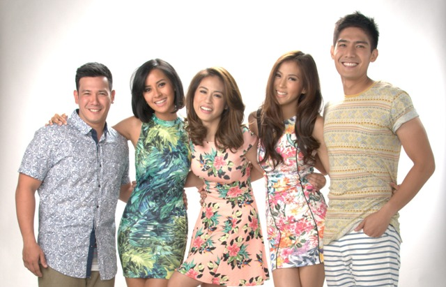 """The hosts of """"Pinoy Big Brother: All In"""" (from left) John Prats, Bianca Gonzalez, Toni and Alex Gonzaga, and Robi Domingo. (ABS-CBN)"""