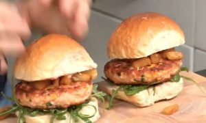 How to Make Spicy Salmon Burgers With Grilled Pineapple