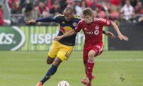 Toronto FC Breaks 10-Game Winless Skid Against Red Bulls, Defoe Gets Better of Henry