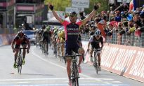 Ulissi Explodes on Summit Finish to Win Giro d'Italia Stage Five