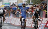 Bouhanni Scores Comeback Win in Rain-Wracked Giro d'Italia Stage Four