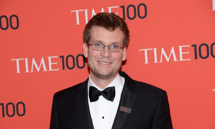 Author John Green arrives at the 2014 TIME 100 Gala held at Frederick P. Rose Hall, Jazz at Lincoln Center on Tuesday, April 29, 2014 in New York. (Photo by Evan Agostini/Invision/AP)