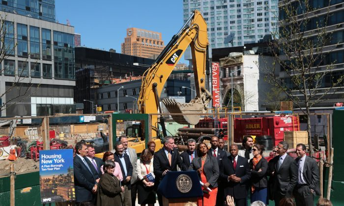 Mayor Bill de Blasio unveils 'Housing New York,' a Five-Borough, 10-Year Housing Plan to Protect and Expand Affordability in Brooklyn, New York City on May 5, 2014. (Ed Reed for the Office of Mayor Bill de Blasio)