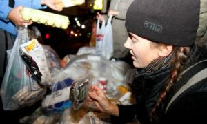 'Dumpster Diving' in NYC: Living on Leftovers
