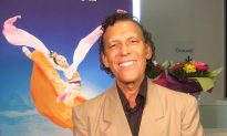 Musician Urges People Go and See Shen Yun