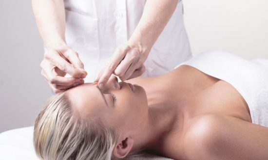 Acupuncture Clears Acne – New Research