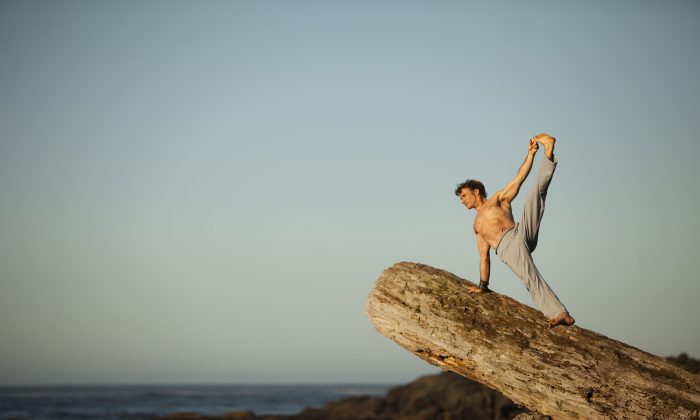 Yoga teacher, personal trainer, writer, and blissologist Eoin Finn does a variation of side plank pose in Ucluelet, B.C., Canada. Finn teaches his unique Blissology Yoga classes and workshops around the globe and resides between Vancouver, BC; Venice, CA; and Bali. (Courtesy of Eoin Finn)