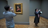Improve Your Museum Memories: Put Away the Camera