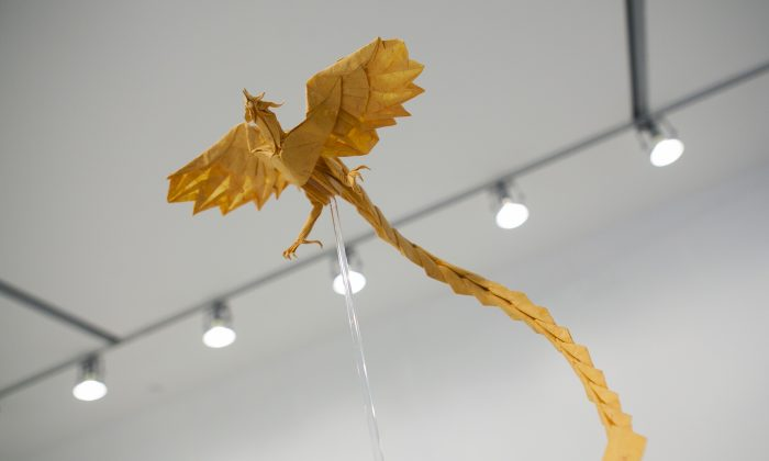 """Phoenix"" by Satoshi Kamiya, Japan; at the Surface to Structure origami exhibit at Cooper Union, NYC, June 19, 2014. (Samira Bouaou/Epoch Times)"