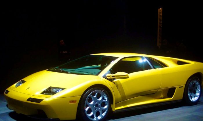A Lamborghini Diablo sports car was left unoccupied with fire damage in New Jersey. (Feature Image: AP Photo/Carlos Osorio)