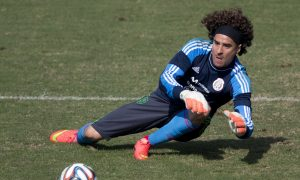 Guillermo Ochoa Transfer 2014: AC Ajaccio Fan Tries to Sell Home and Family to Keep Mexican Goalkeeper in France (+Photo)