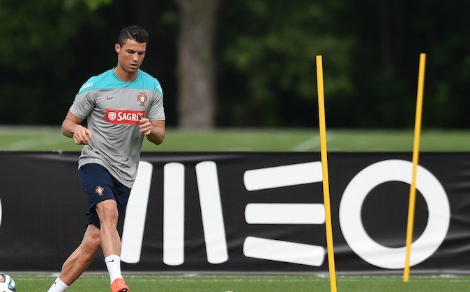 Portugal's Cristiano Ronaldo during training June 8, 2014 in Florham Park, New Jersey. The team will be training at the New York Jets training facility during a stop on their way to the World Cup in Brazil. (TIMOTHY A. CLARY/AFP/Getty Images)