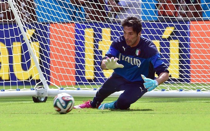 Italy's goalkeeper and captain Gianluigi Buffon takes part in a training session at the Pernambuco Arena in Recife, on June 19, 2014 on the eve of their 2014 FIFA World Cup group D football match against Costa Rica. (Getty Images)