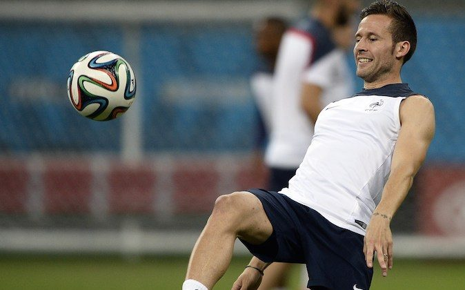 France's midfielder Yohan Cabaye plays with the ball during a training session at the Arena Fonte Nova in Salvador on June 19, 2014 on the eve of their 2014 FIFA World Cup group E football match against Switzerland. (FRANCK FIFE/AFP/Getty Images)