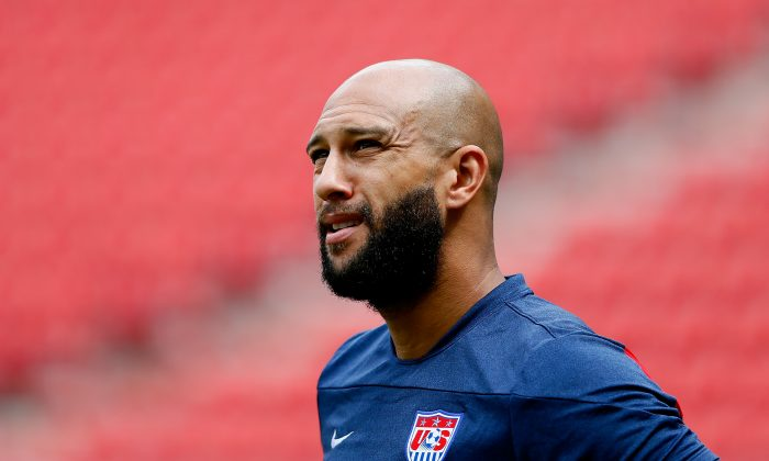 Goalkeeper Tim Howard of the United States works out during training at Arena Pernambuco on June 25, 2014 in Recife, Brazil. (Photo by Kevin C. Cox/Getty Images)