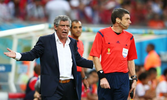 Head coach Fernando Santos of Greece gestures during the 2014 FIFA World Cup Brazil Round of 16 match between Costa Rica and Greece at Arena Pernambuco on June 29, 2014 in Recife, Brazil. (Photo by Paul Gilham/Getty Images)