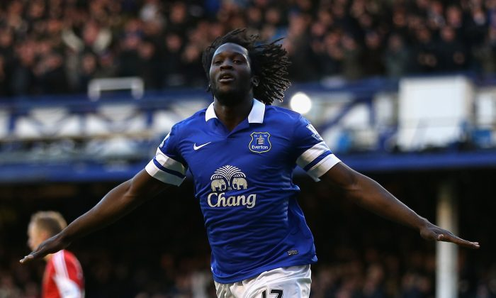 Romelu Lukaku of Everton celebrates scoring his team's second goal during the Barclays Premier League match between Everton and Southampton at Goodison Park on December 29, 2013 in Liverpool, England. (Photo by Clive Brunskill/Getty Images)