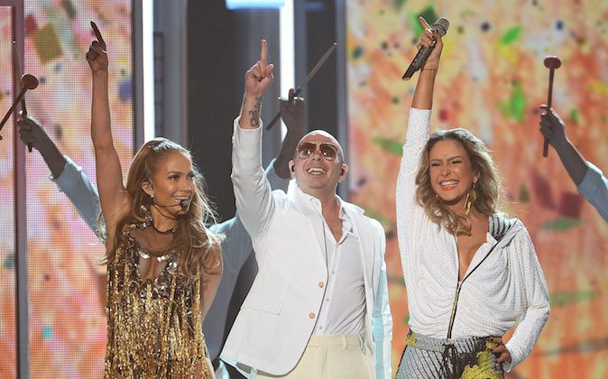 (L-R) Singer/actress Jennifer Lopez, recording artist Pitbull and singer Claudia Leitte perform onstage during the 2014 Billboard Music Awards at the MGM Grand Garden Arena on May 18, 2014 in Las Vegas, Nevada. (Ethan Miller/Getty Images)