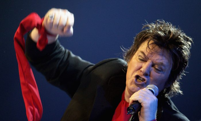 Doc Neeson, lead singer of The Angels, in a 2007 file photo. (Getty Images)