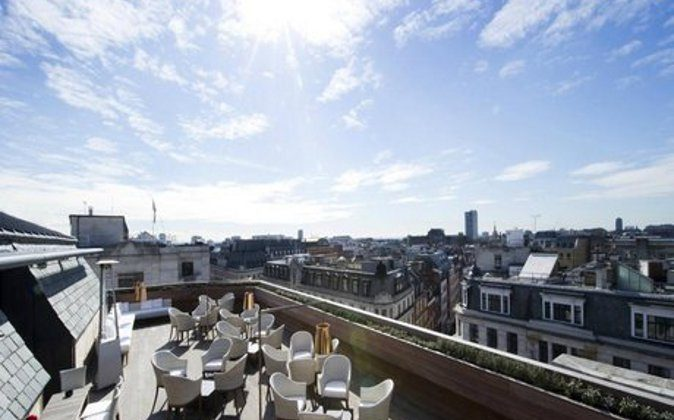 Aqua, a roof top cocktail bar (A Luxury Travel Blog)