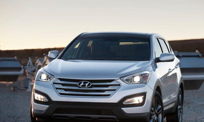 2014 Hyundai Santa Fe Sport (Courtesy of NetCarShow.com)