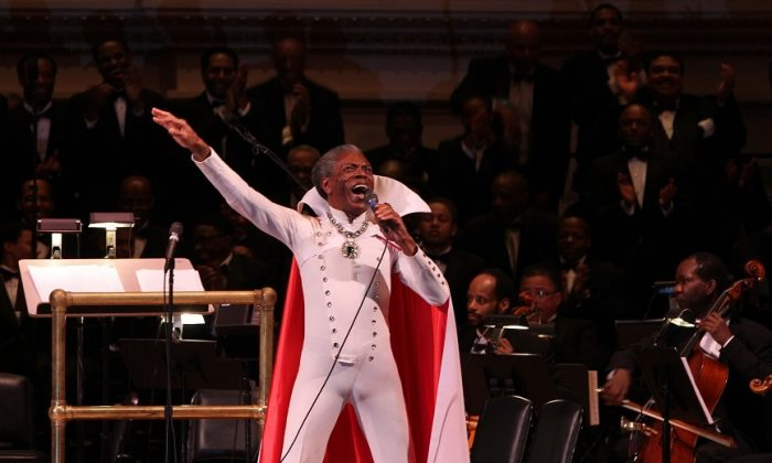 """Actor Andre DeShields dons the original Wiz costume in a performance of """"So You Wanted to See The Wizard"""" at """"Black Stars of the Great White Way,"""" in Carnegie Hall in New York on Monday. (Lisa Pacino/Under the Duvet Productions)"""