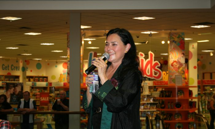 Author Diana Gabaldon speaks at a book signing event at Chapters in Ottawa on June 23, 2014. (Joyce MacPhee)