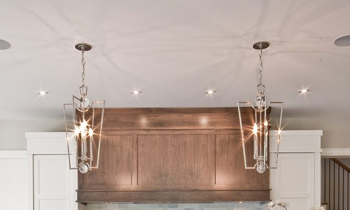 Transitional style features classic lines mixed with fresh, modern touches. (Bloomsbury Fine Cabinetry)
