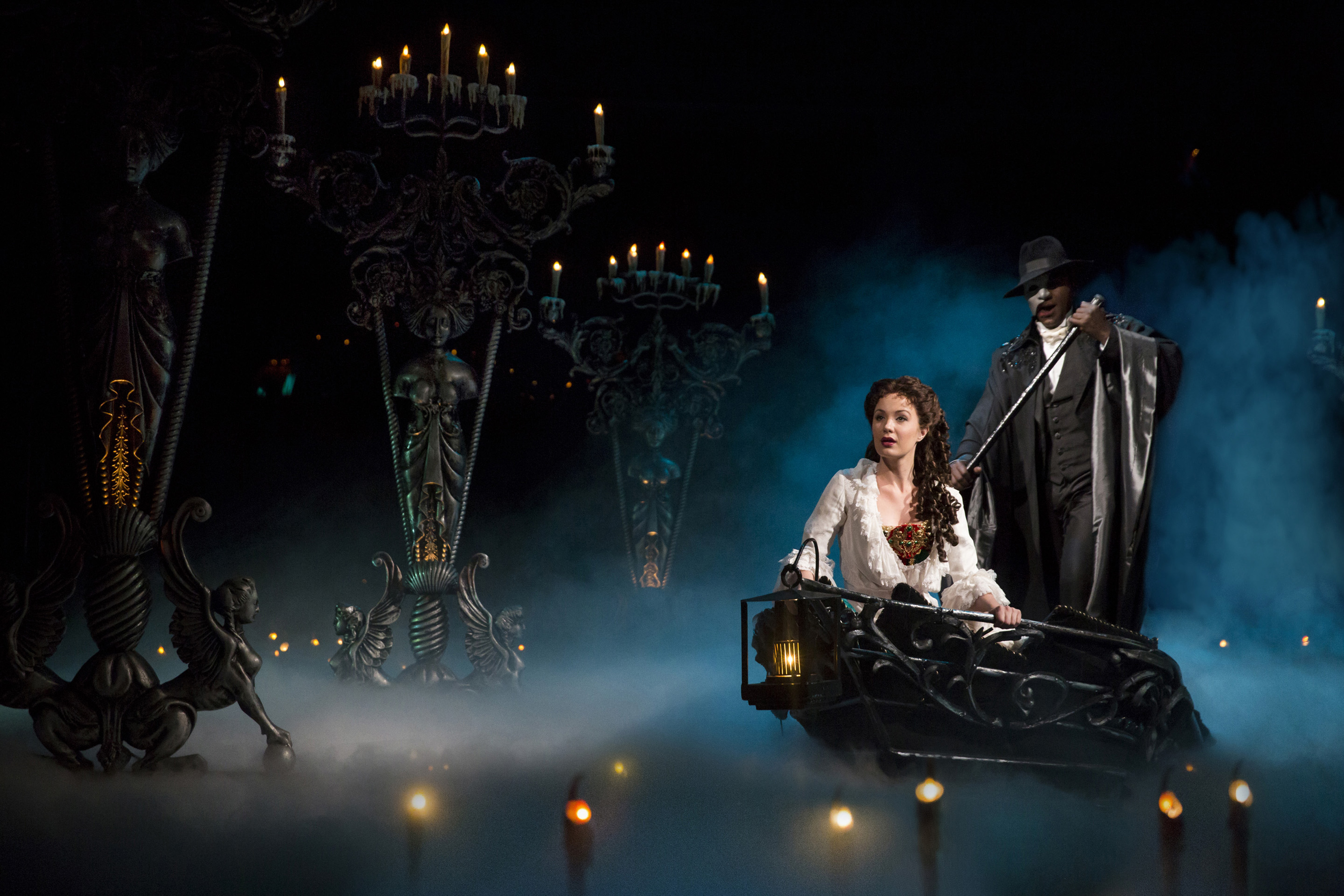 Theater Review The Phantom Of The Opera