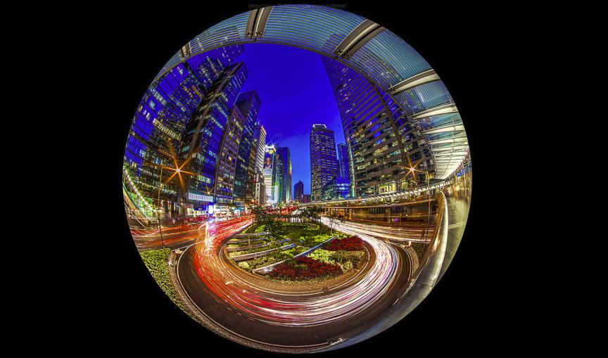 "A ""fishbowl"" view of Hong Kong at night. (CoolBieRe)"